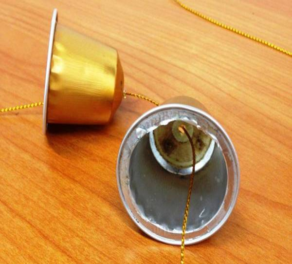 campanillas-de-navidad-con-capsulas-de-cafe-1
