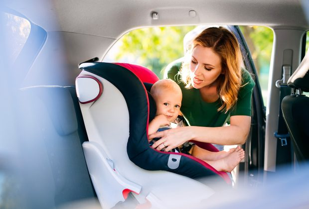 la-seguridad-de-los-bebés-en-el-coche